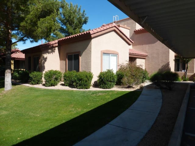 Beautiful Phoenix(Deer Valley)Home Away From Home! - Phoenix - Appartement en résidence