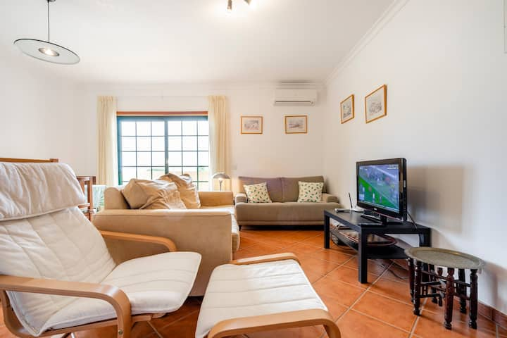 Sunny apartment near Ria Formosa's Nature Park