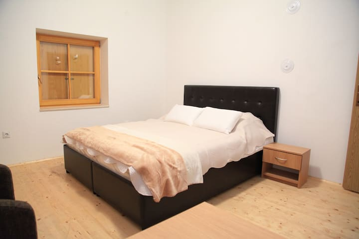 Whole flat for 10 people in hotel Korab Trnica