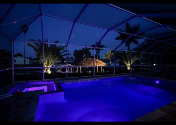 Majestic Palms-Pool/Spa Tiki Dock