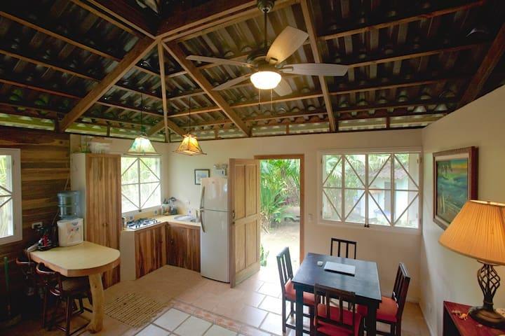 Cozy bungalow in nature - Casa Rameen - Puerto Viejo de Talamanca - Departamento