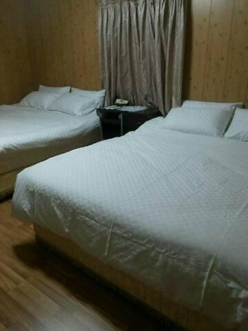 海景4人房NT.2600元 - Manzhou Township - Bed & Breakfast