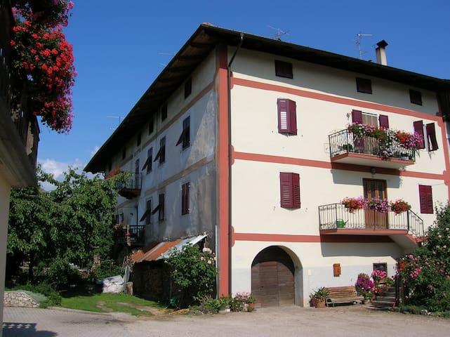 Casa AlpeAnaunia - la vacanza sull'Alpe !! - Romeno - Lakás