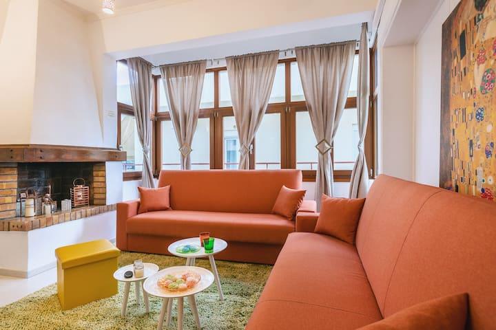 MINOTAVROS-Cozy City Apartement
