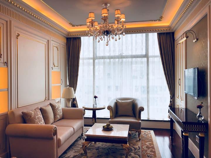 Lilly's suite 市中心 近中南购物中心 南通大学的豪华装修酒店式公寓(金石国际大酒店)