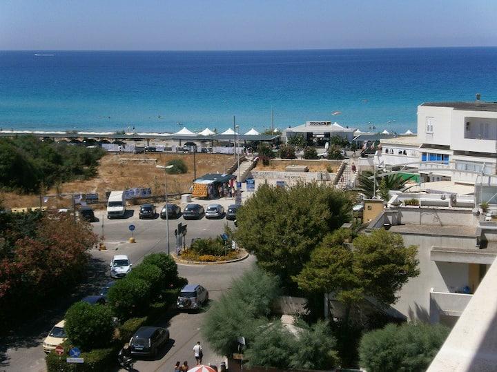 Gallipoli Baia Verde fronte mare 50mt da spiagge