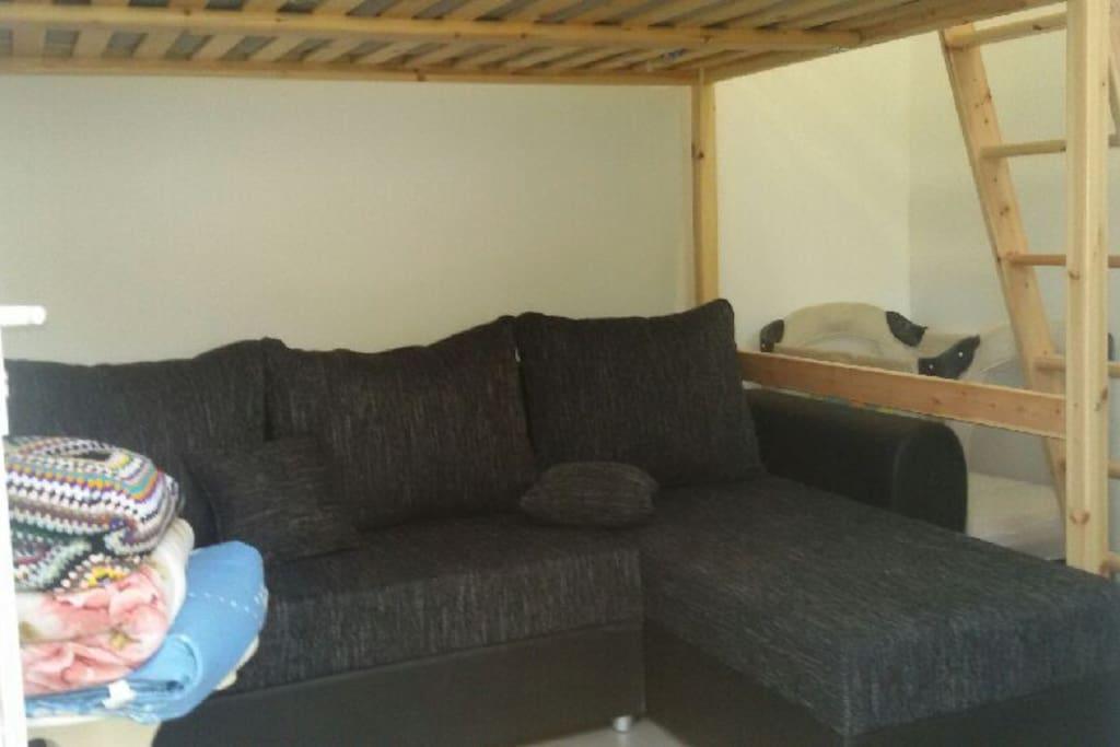 canape lit 2personnes+mezzanine pour 1 ou 2 personnes