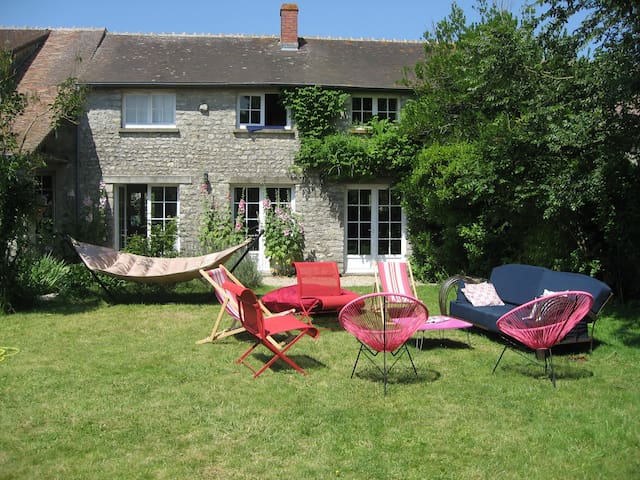 Charming house 70 km from Paris -  Nangeville