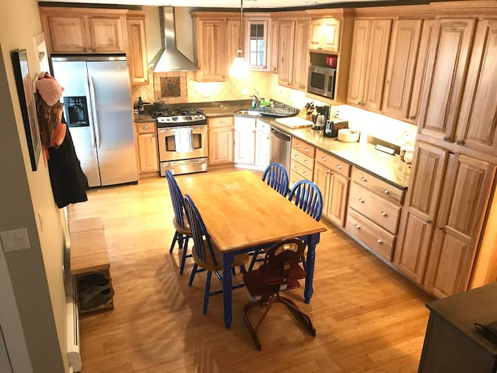Family Friendly Townhouse 20 minutes from Aspen!