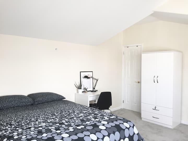 Private Bath, Cozy Sunset Terrace Room