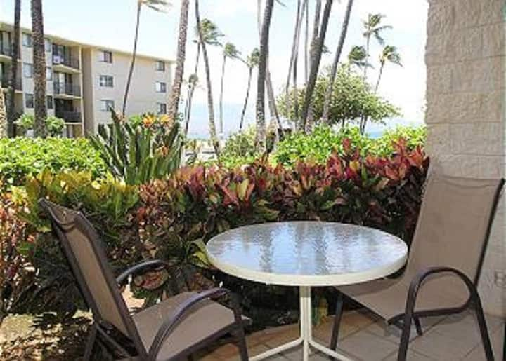 KAN108 - Gorgeous Ground-Floor Beachfront Condo in Maui—Ocean View 2  BR/2 BA