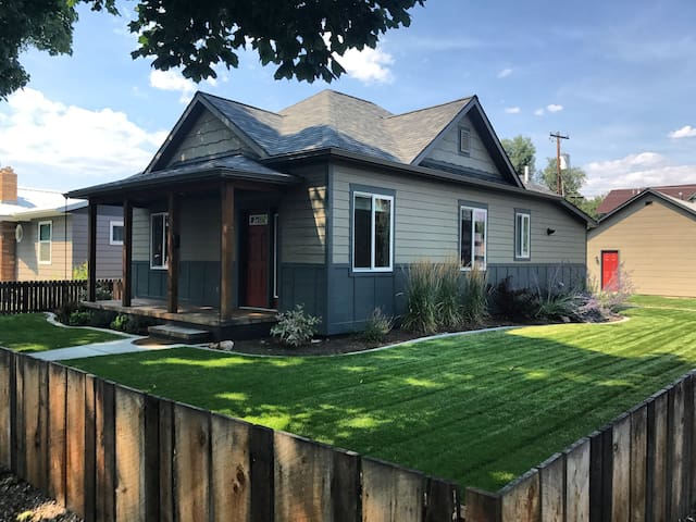 Fully Remodeled 1920s Bungalow The 1400 House