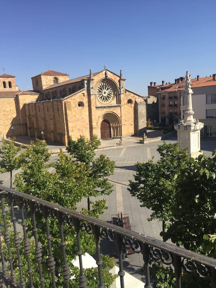 VUT en Plaza de Santa Teresa (semi-diáfano)