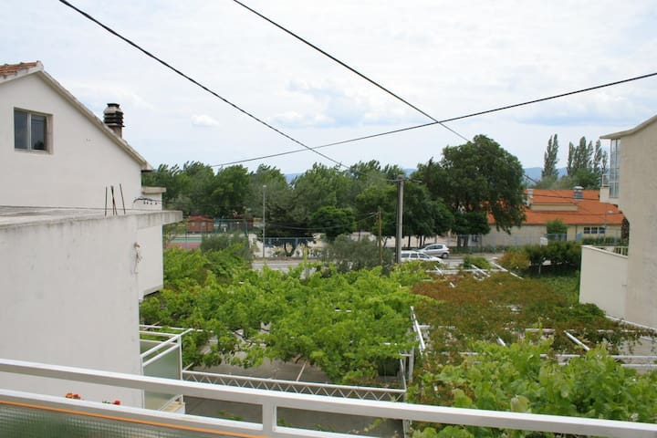 Studio flat with terrace Omiš (AS-2745-a)