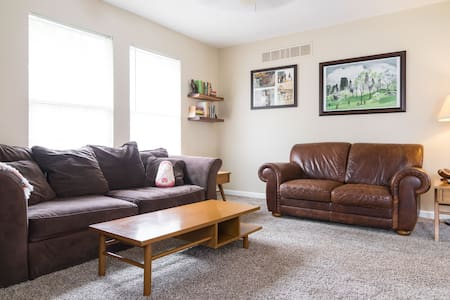 Quiet fully equipped near the heart of Ann Arbor