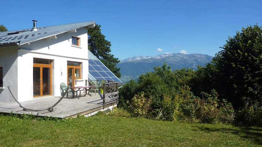 Grande maison en Charteuse - Saint-Bernard - Hus