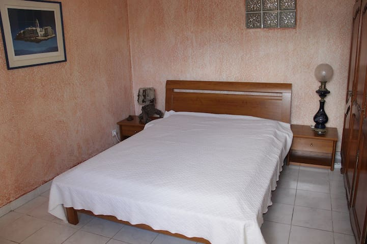 chambre 1 ( 1 lit)