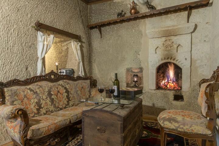 Antique Terrace , Juniour  Cave Room +Breakfast
