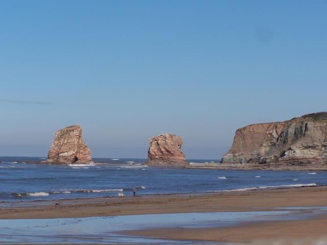 Spacious Studio: Beach, Cliffs, Castle 5 min walk