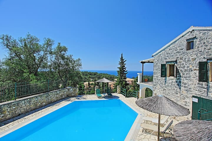 Villa Katerini Paxos: Amazing views, Pool, A/C