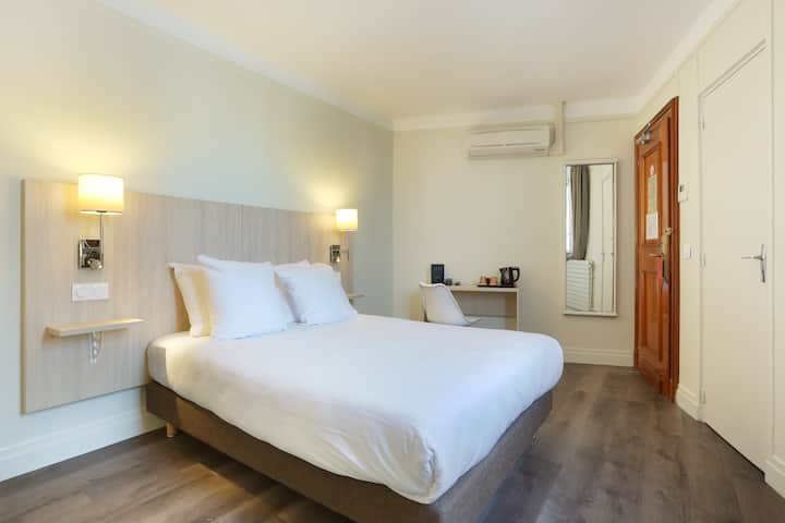 Superior room - Porte Saint Cloud