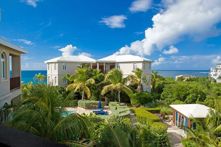 """Fountain Anguilla by """"Refined Retreats""""~Poolside~Ocean View~King Suite~Kitchen!"""