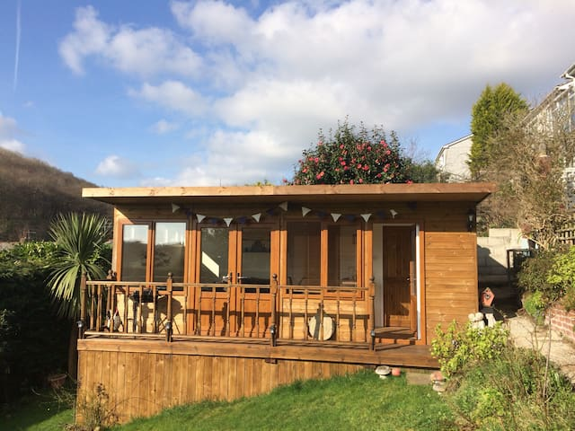 Garden Lodge/Summerhouse
