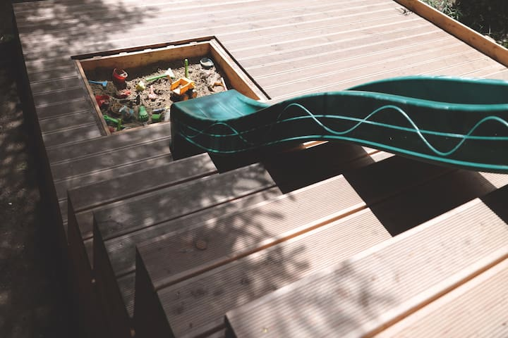 Lower deck with a sandpit