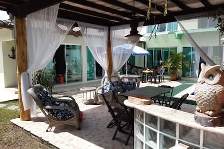 Casa em Cabo Frio com 4 quartos  e piscina.