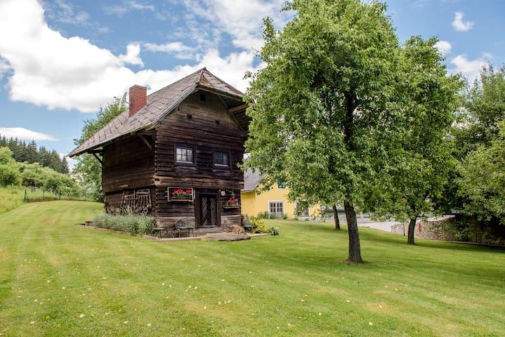 Jagdhütte mit Badeteich - Urlaub mit Hund