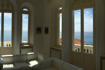 Apartment in Villa Liberty CELLE LIGURE - Celle Ligure - Apartamento