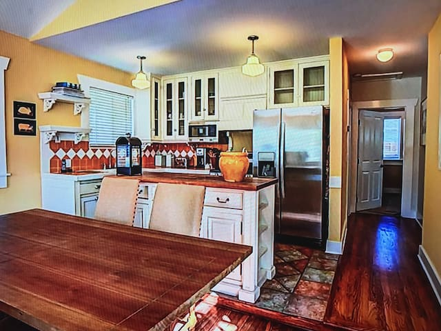 Real good Modesto house!