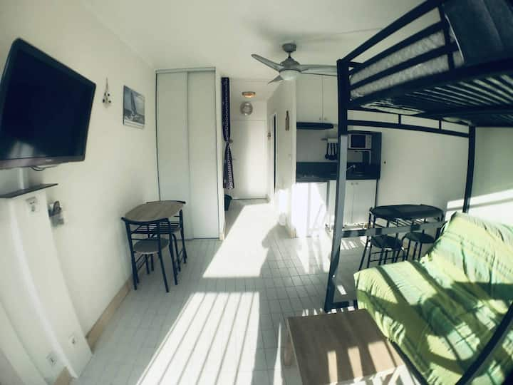 AS18657 - Studio cabin close to the beach and downtown
