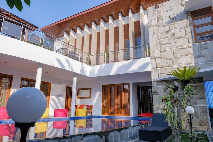 Titanium's Villa near R hotel