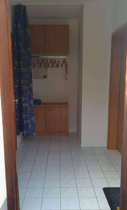 Flur - Eingangsbereich und Garderobe