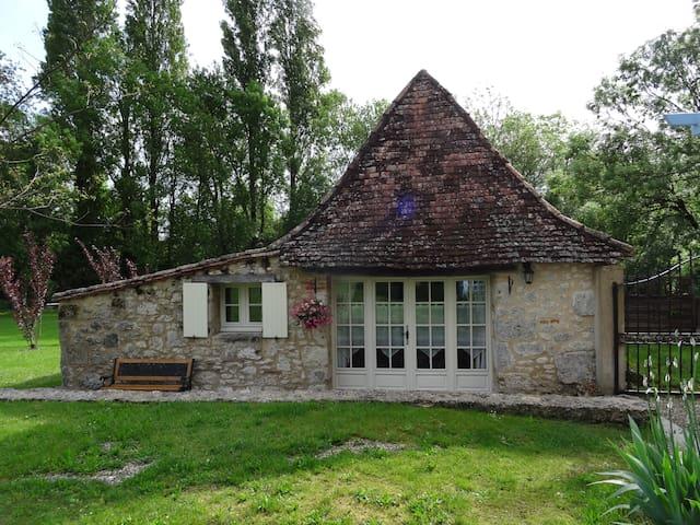 Le Sechoir, gîte pour 2 , piscine - Issigeac - Huis