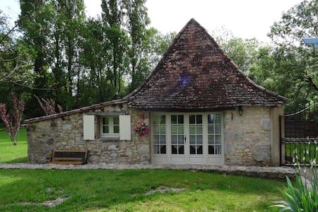 Le Sechoir, gîte pour 2 , piscine - Issigeac - House