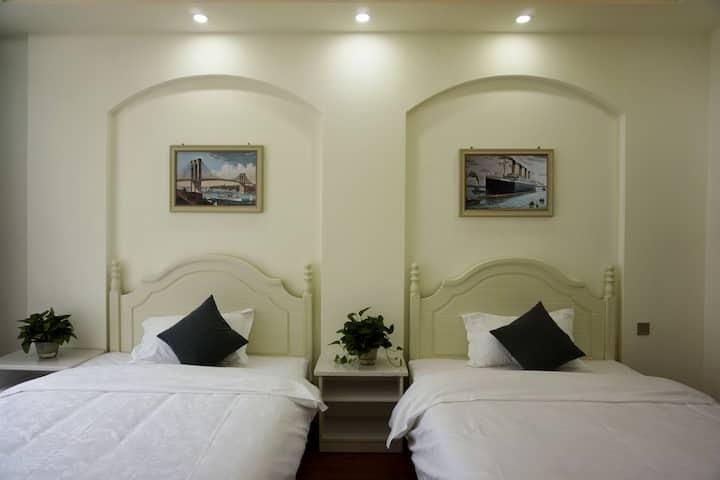 理县绿水青山酒店
