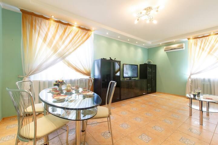 Двухкомнатная квартира , Комсомольская 5