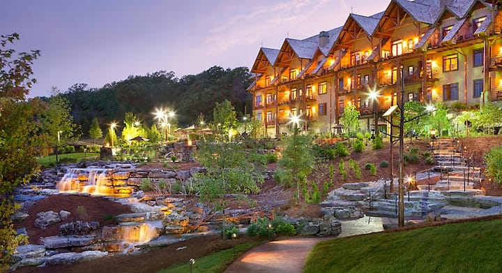 Spend Christmas at the Beautiful Big Cedar Lodge