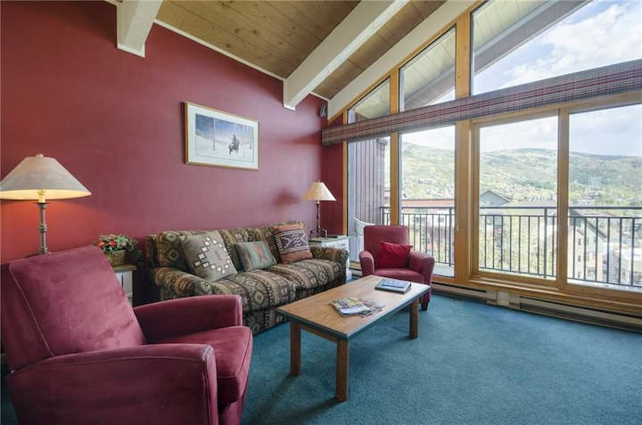 W3532 by Mountain Resorts ~ Top Floor with Stunning Views ~ Outdoor Pool