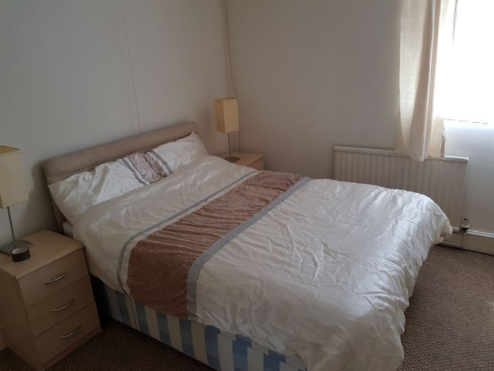 Comfortable rooms available in Cwmbran