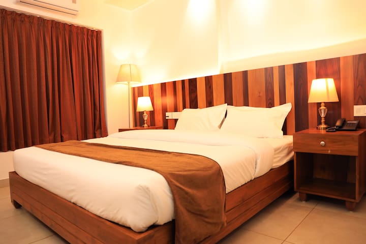 Lalys Residency-A/c  Rooms with 3 star Facility