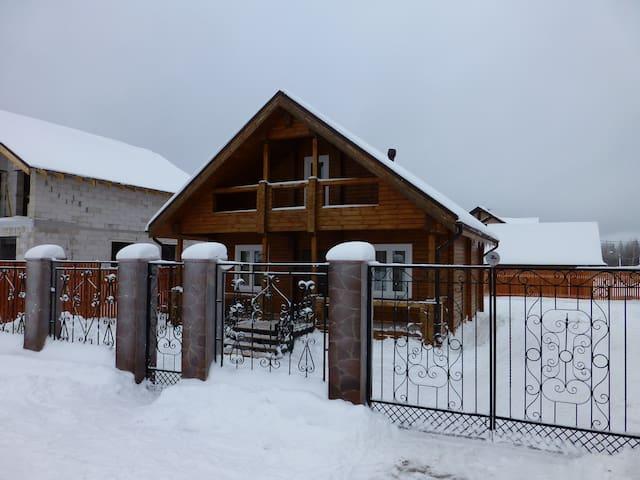 Новый дом в коттеджном посёлке