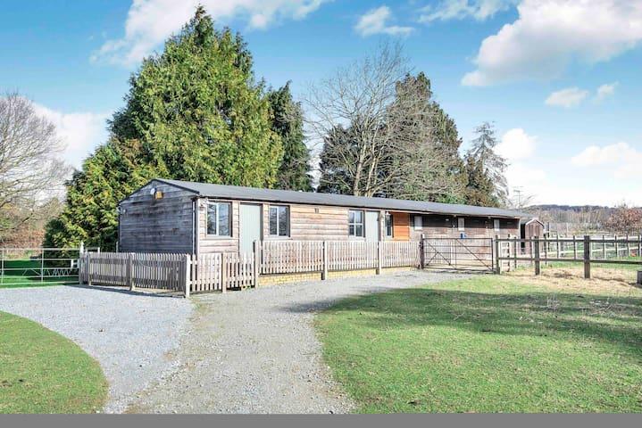 Riverside Stable Cottage, Hunton Yalding Maidstone