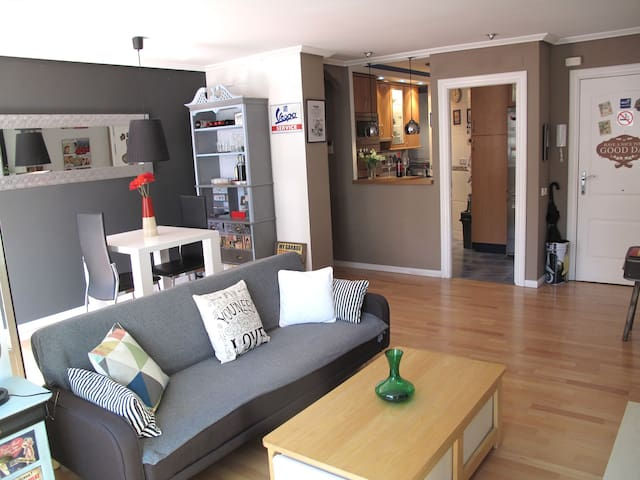 "Cozy and Romantic ""Loft"" Centric + Garage - Logroño"