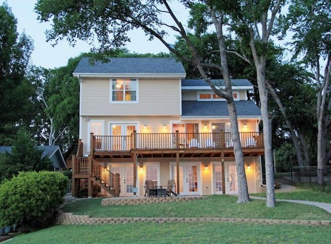 New Cedar Creek waterfront-Sleeps13 - Gun Barrel City - House
