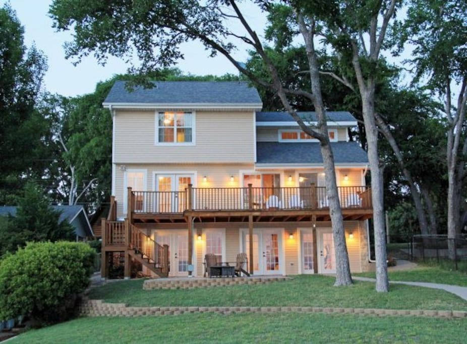 New Cedar Creek waterfront-Sleeps13 - Houses for Rent in ...