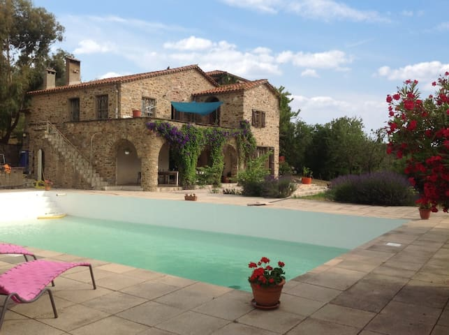 Stunning mansion 30km from Argeles - Castelnou