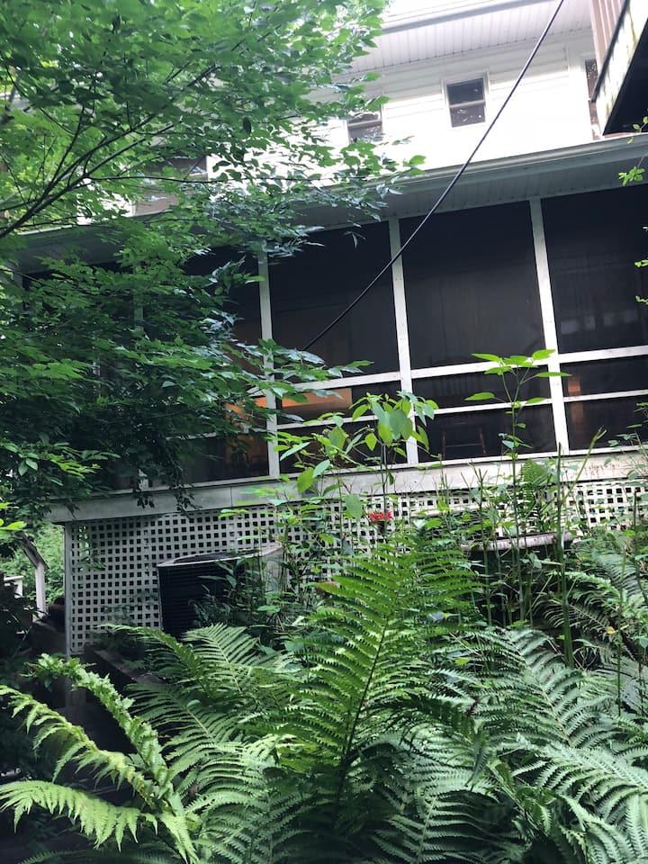 Charming Garden Apartment adjacent to Warren Dunes